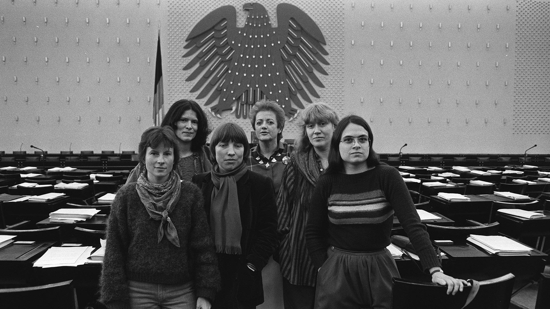 03+die+unbeugsamen-picture_alliance-SvenSimon_Fraktionssprecherinnen-DieGruenen_1984